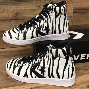 CONVERSE MID TOP BRAND NEW